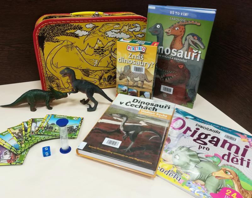 Popis: Kufřík Dinosauři.