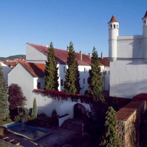 Žerotínský zámek