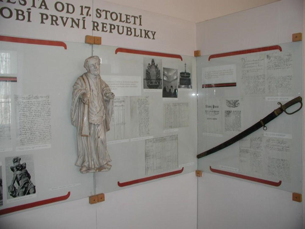Popis: Expozice věnovaná historii města Klimkovice.