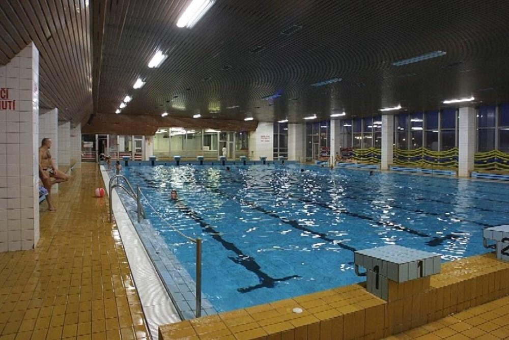 Popis: Krytý bazén STARS v Karviné-Hranicích.