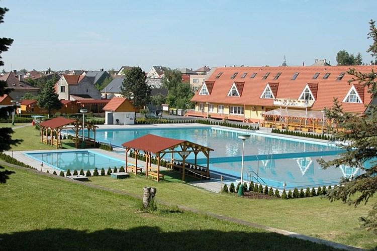 Koupaliště v Bolaticích disponuje dvěma bazény i dětským brouzdalištěm