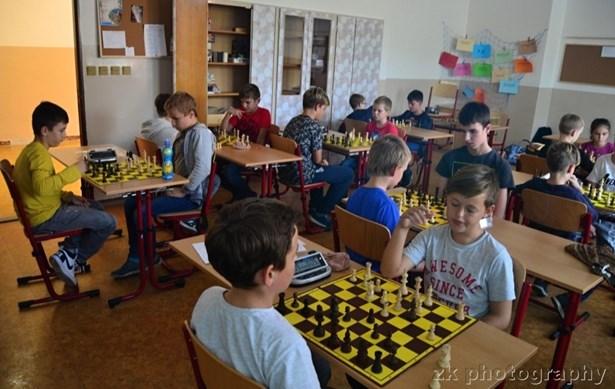 Popis: Šachová liga, která se uskutečnila na Základní škole Jana Železného v Prostějově.