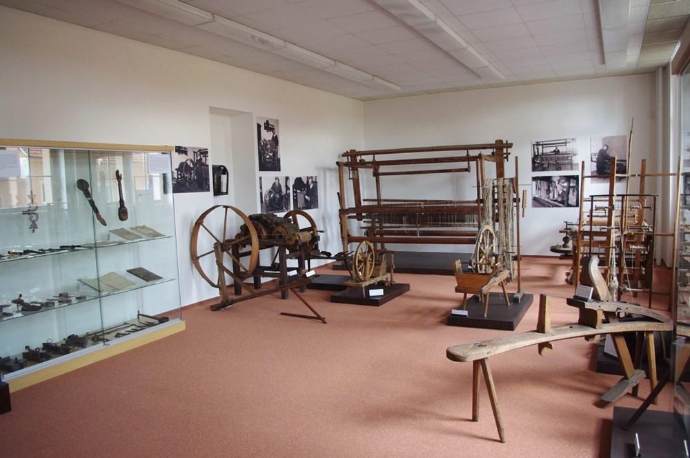 Popis: Stálá expozice řemesla a živnosti v Muzeu Bojkovska v Bojkovicích.