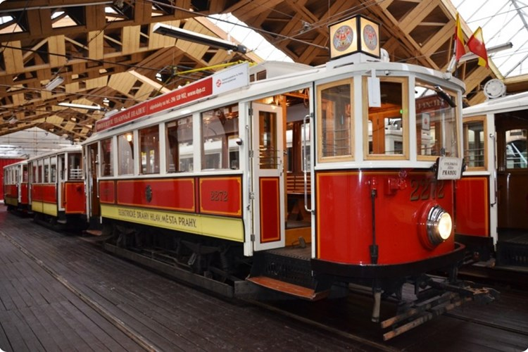 V Muzeu MHD v Praze uvidíte přes čtyřicet historických vozidel