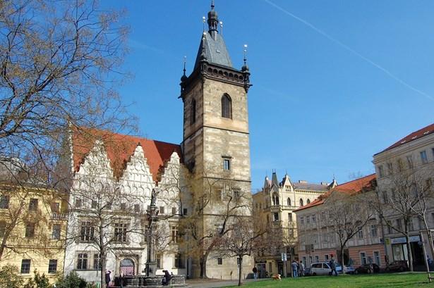 Popis: Věž Novoměstské radnice v Praze.