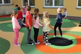 Děti z Rožnova mají nové školní hřiště