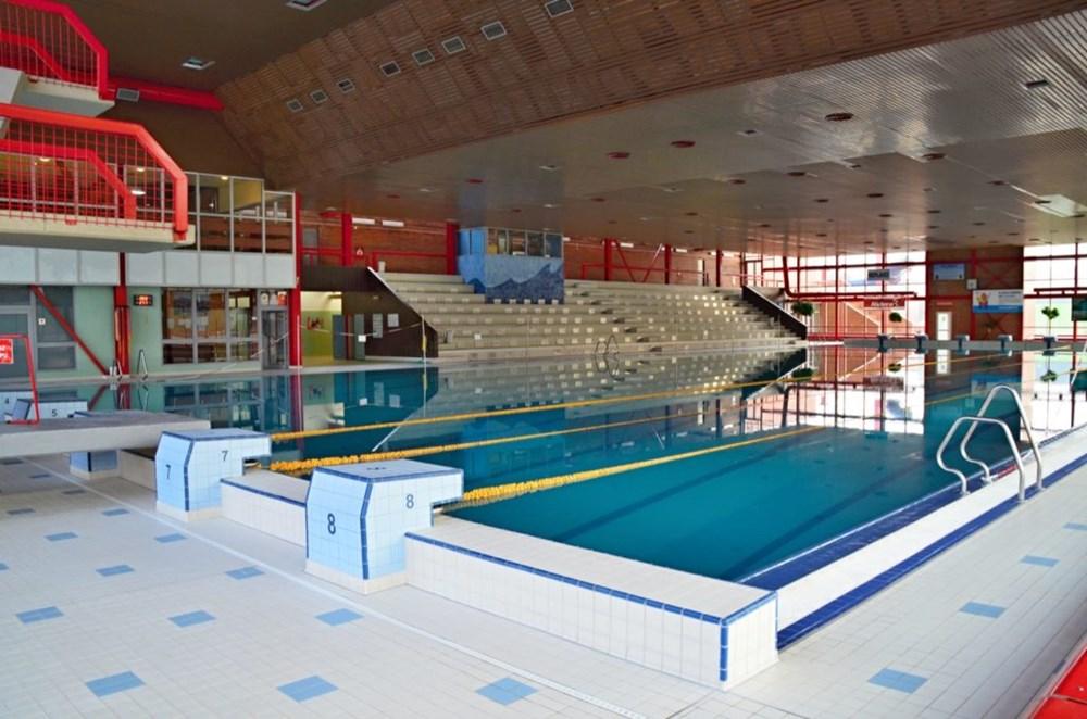 Krytý bazén v Ostravě-Porubě.