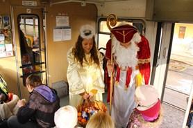 První adventní víkend v Praze zpestří Mikulášské jízdy parního vlaku