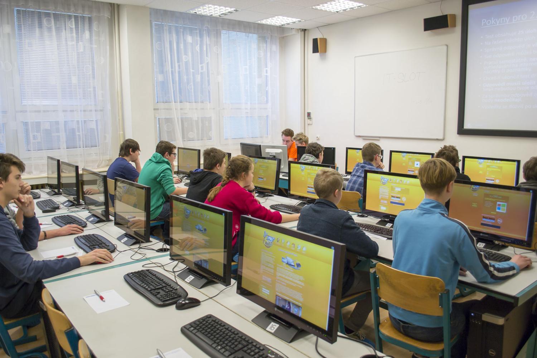 Tisíce žáků základních škol změří síly v informační soutěži IT-SLOT