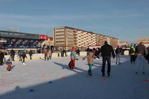 První prosincovou sobotu na Letné zahájí zimní bruslařskou sezonu