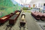V zámecké galerii, Obřadní síni a v Lindnerově ulici sídlí mašinky. Už podvacáté