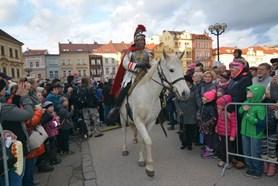 I letos přijede pod Bílou věž Martin na bílém koni