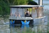 Nastupte na palubu a vychutnejte si výhled na Olomouc z lodi. I s punčem