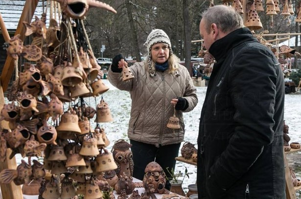 Popis: Vánoční jarmark ve Valašském muzeu v přírodě v Rožnově pod Radhoštěm.