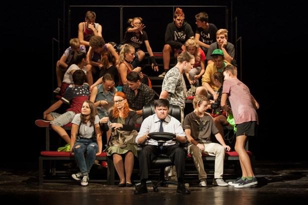 Popis: Pardubické Mladé divadelní studio LAIK.