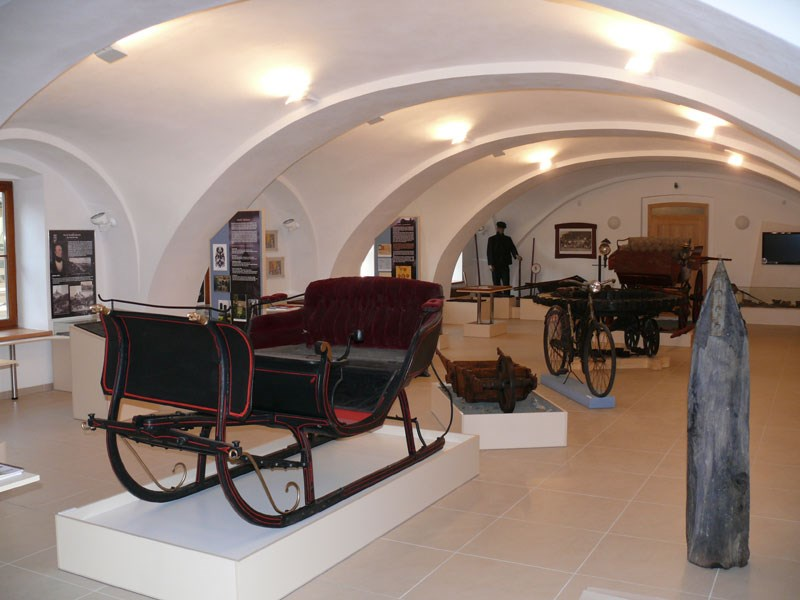 Popis: Muzeum silnic ve Vikýřovicích u Šumperka.