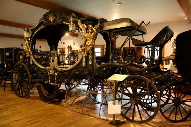 Muzeum kočárů má více jak 80 historických kočárů a saní