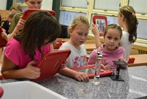 Ve škole v Okružní ulici v Bruntále mají novou učebnu fyziky