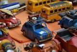 Ve Flemmichově vile v Krnově jsou k vidění plechové mechanické hračky