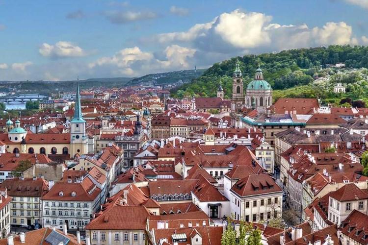 Lobkowiczký palác nabízí prozkoumat historii Evropy i pokochat se nádherným výhledem na Prahu