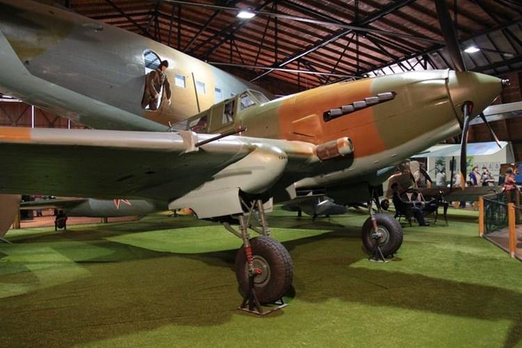 128 letadel, skoro 50 motorů i další části. To všechno uvidíte v Leteckém muzeu Kbely