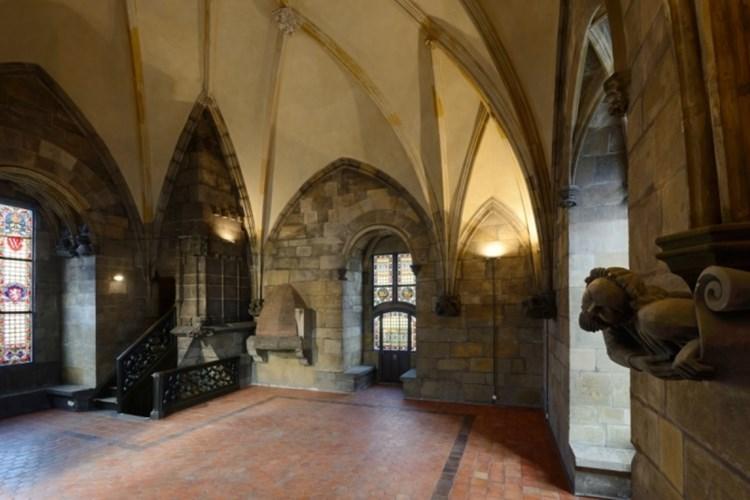 Prašná brána je jednou z nejvýznamnějších památek středověké Prahy