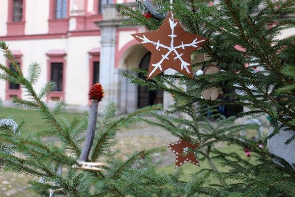 Popis: Advent na loveckém zámku Ohrada.