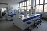 Gymnázium Luďka Pika představilo nové prostory. Pyšní se bezbariérovým přístupem a novou učebnou chemie