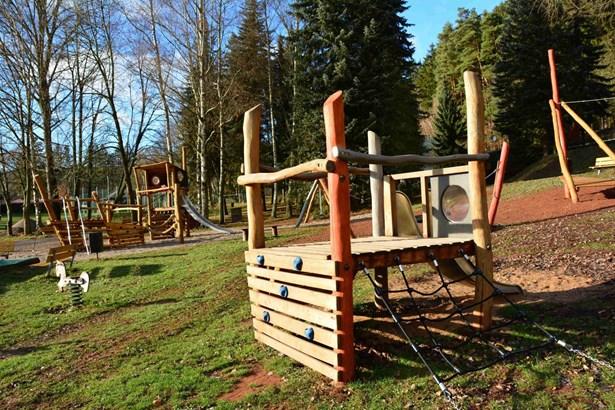 Popis: Nové dětské hřiště v Dolce v Trutnově.