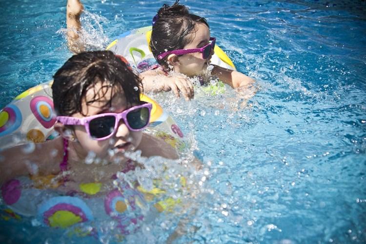 Děti budou mít za dobré vysvědčení vstup zdarma do aquacentra v Městských lázních