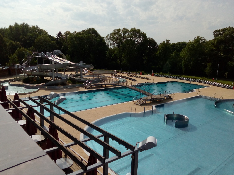 Koupaliště Flošna, Slunná loučka i krytý plavecký bazén se v pondělí otevřou veřejnosti