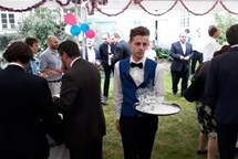 Žáci Hotelové školy Třebíč obsluhovali diplomaty v Praze