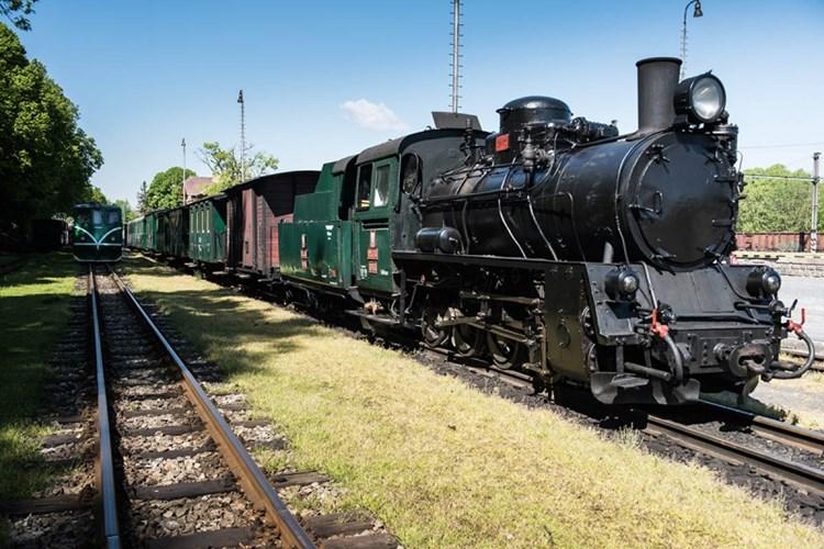 Jindřichohradecké místní dráhy zprostředkují autentickou atmosféru železniční dopravy z minulosti