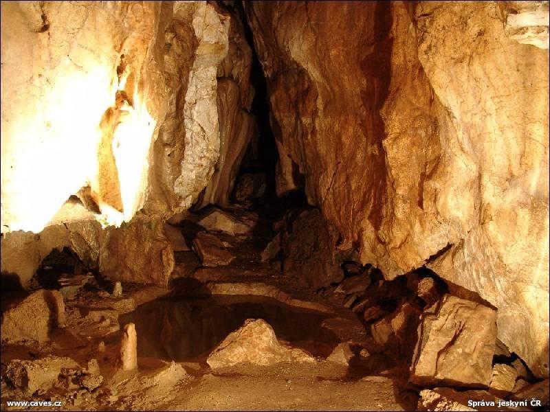Popis: Jeskyně Na Pomezí.