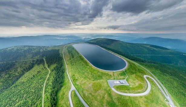 Popis: Přečerpávací vodní elektrárna Dlouhé stráně.