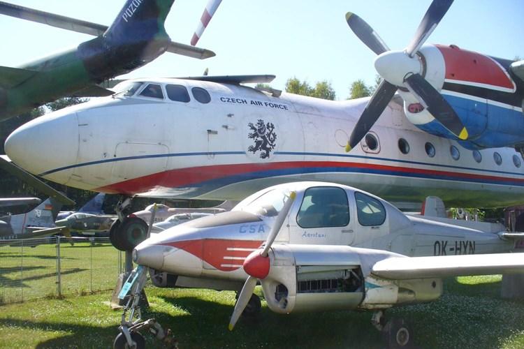 Letadla, vrtulníky i tanky. To všechno uvidíte v Air Parku Zruč u Plzně
