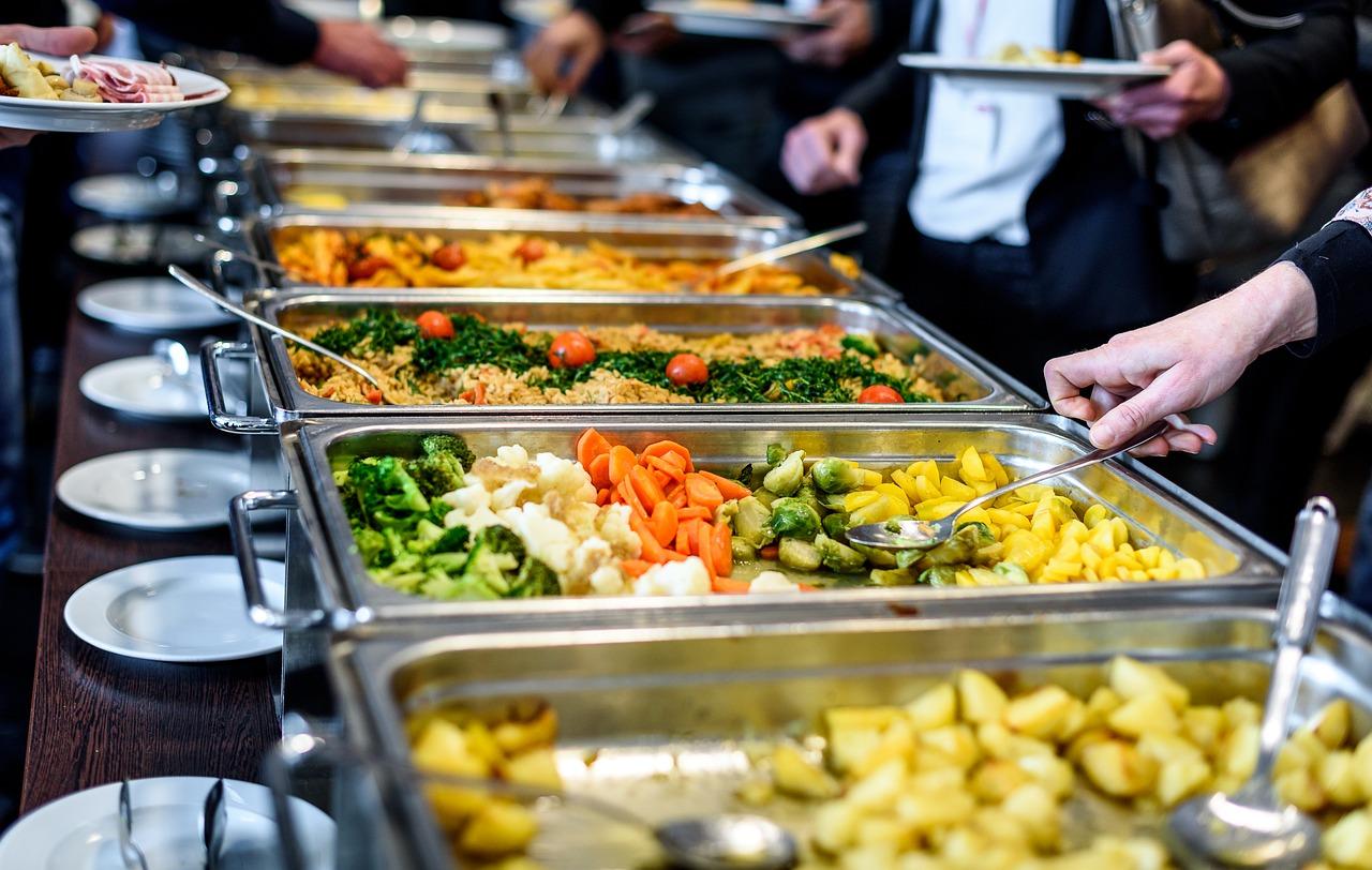 Na obědy pro děti nemá peníze čím dál více rodičů! Díky projektu Obědy pro děti jich dnes obědvá 8382!