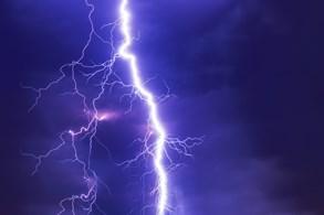 Co dělat, když výlet překazí bouřka? Hlavně se rychle schovat
