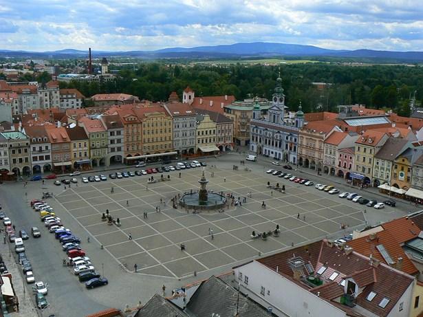 Popis: Náměstí Přemysla Otakara II. v Českých Budějovicích.
