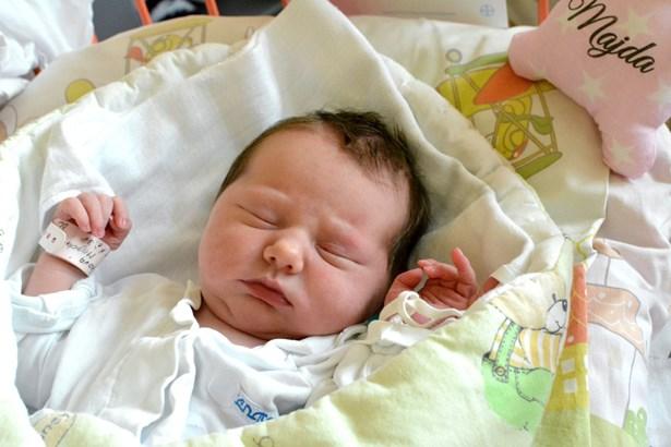 Popis: Magdaléna Vítečková je v pořadí 1000. miminkem, které se letos narodilo v porodnici v Ostravě-Fifejdách.