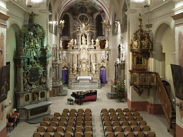 Popis: Interiéry kostela Zvěstování Panny Marie v Šumperku.