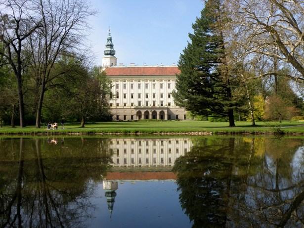Popis: Arcibiskupský zámek v Kroměříži.