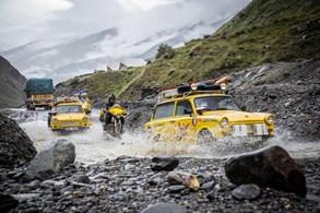 Žluté trabanty Dana Pribáně objely svět a vrací se domů