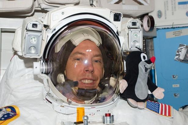 Popis: Astronaut Andrew Feustel.