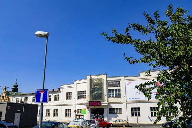 Popis: Kulturní dům Peklo bude v sezoně 2018/2019 uzavřen. Program, který se v něm měl konat, se přesune jinam.