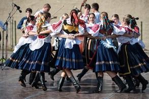 Do Slatiňan dorazí soubory z Maďarska, Argentiny a Francie