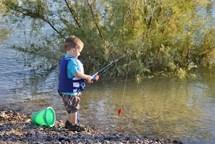 Děti budou závodit v rybaření. Pak si opečou buřty