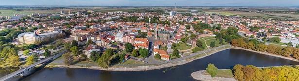 Popis: Letecký pohled na Nymburk.