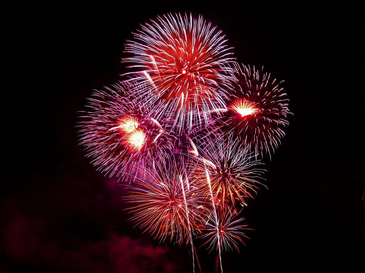 Frýdek-Místek přivítá rok 2020 ohňostrojem. Na obloze uvidíte světelné rakety, římské svíce i kulové pumy