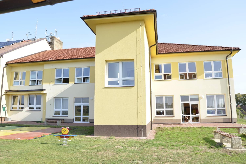 Rodiče v Košeticích mají radost, do mateřské školy se díky přístavbě vejde o 24 dětí více